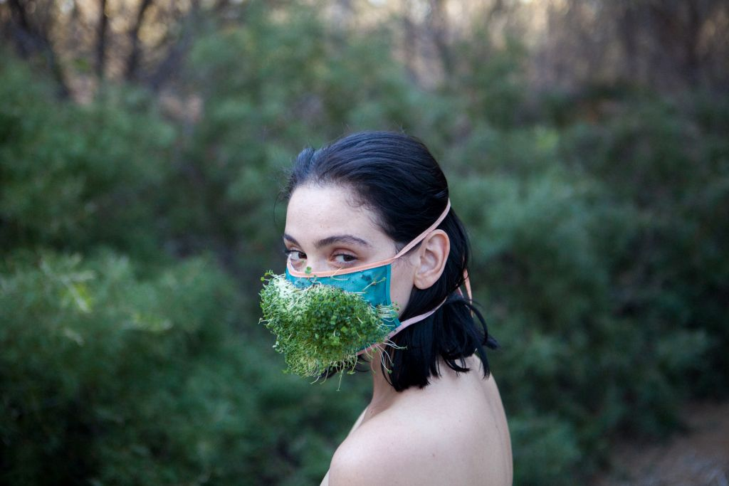 Video still Pony Express, Girls Grown Wild (Ecosexual Bathhouse), 2015 (© the artist, courtesy of The One Minutes Foundation)